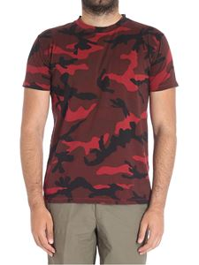 Valentino - Camouflage t-shirt in shades of red