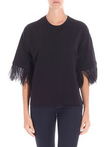 N° 21 - Black boxy top with feathers