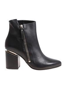 Vic Matiè - Black pointy ankle boots