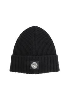 Stone Island Junior - Ribbed black beanie with logo