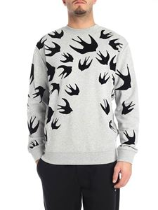 McQ Alexander Mcqueen - Grey crew-neck sweatshirt with swallow swarm print