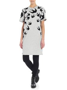 McQ Alexander Mcqueen - Maxi grey T-shirt with swallow swarm print