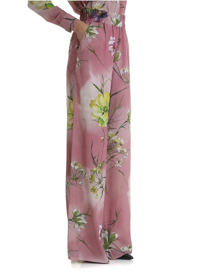 0580b1c4d75b Blumarine Spring Summer 2019 pink palazzo trousers with floral print ...