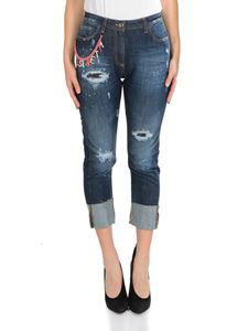 Elisabetta Franchi - Blue jeans with branded pink chain