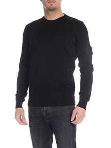 Stone Island - Pullover in black with front pocket