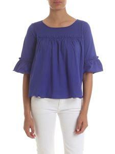 Manila Grace - Blue T-shirt with curled insert