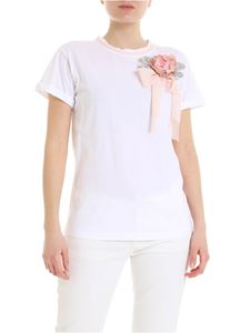 Twin-Set - T-shirt in white with maxi jewel pin
