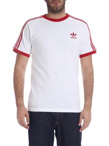 Adidas - 3 Stripes T-shirt in white and red