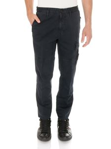 Stone Island - Cargo pants in blue with logo