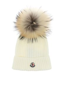 Moncler Jr - Cream colored beanie with fur pom pon