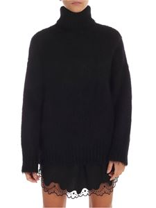 N° 21 - Oversized pullover in black with high collar