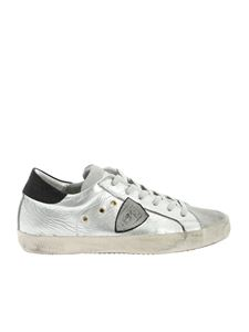 Philippe Model - Classic sneakers in silver laminated leather