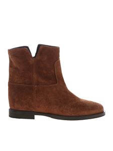 Via Roma 15 - Tan-colored suede ankle boots