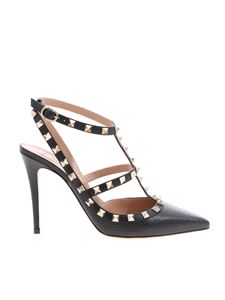 Valentino - Rockstud pumps in black with gold studs