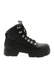 Vic Matiè - Ankle boots with front laces in black