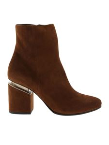Vic Matiè - Pointed ankle boots in brown suede