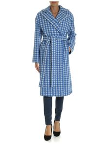 Giada Benincasa - White and light blue houndstooth pattern coat