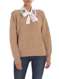 Vivetta - Pullover with embroidered collar in camel color