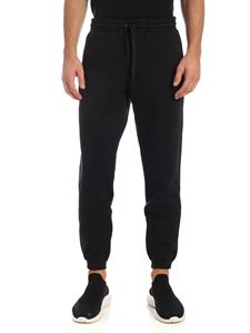 New Balance - Fleece pants in black with logo patch