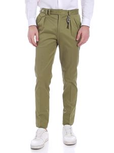 Ribbon Clothing - Pantalone verde doppia pinces con charm in vita