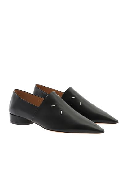 Maison Margiela - Leather pointed loafers in black