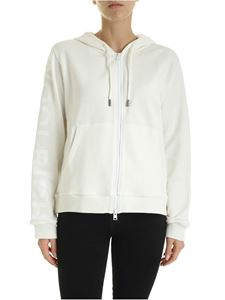 Woolrich - Sweatshirt in white with tone-on-tone logo