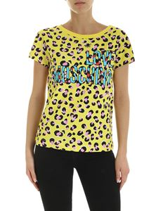 Love Moschino - T-shirt in yellow with all-over animal print