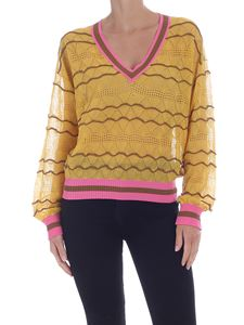 Ballantyne - Lace V-neck pullover in yellow