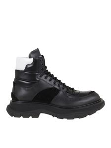Alexander McQueen - Leather ankle boots in black