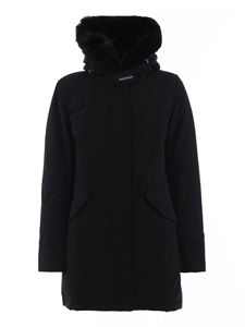 Woolrich - Beaker faux fur parka in black