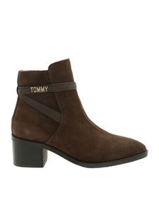 Tommy Hilfiger - Suede ankle boots in brown