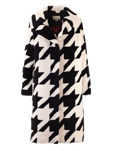 Gucci - Houndstooth coat in black and white
