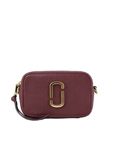 Marc Jacobs  - The Softshot 17 cross body bag in burgundy