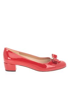 Salvatore Ferragamo - Vara bow décolleté in red