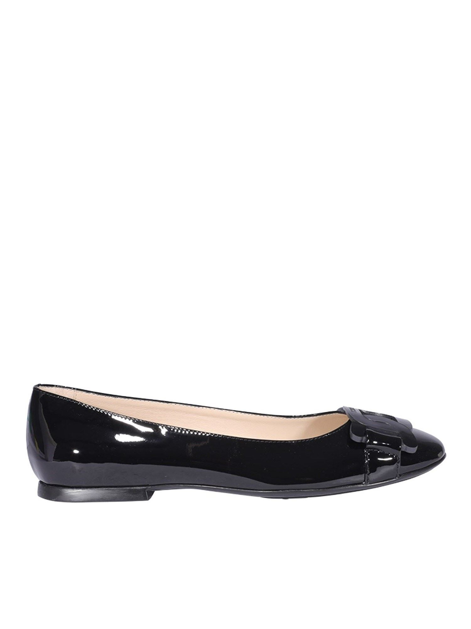 Tod's CHAIN TRIM PATENT LEATHER FLATS IN BLACK