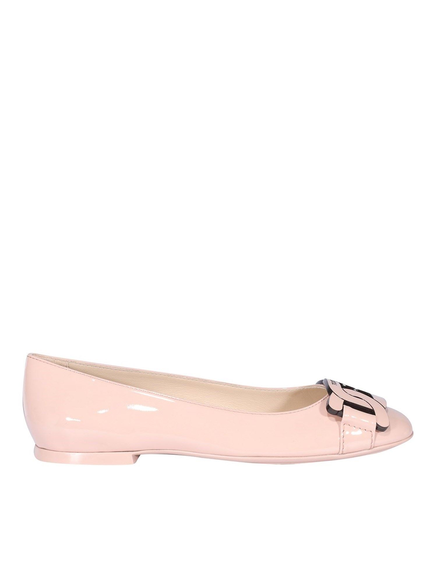 Tod's CHAIN TRIM PATENT LEATHER FLATS IN PINK