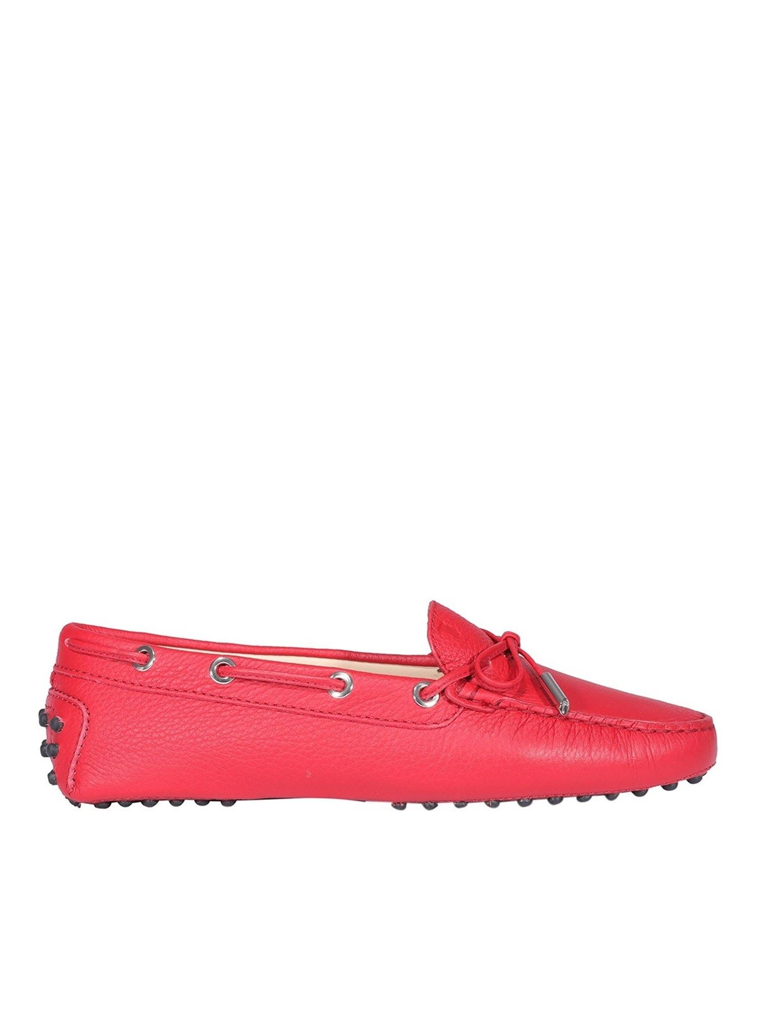 Tod's PEBBLED LEATHER DRIVING SHOES IN RED