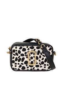 Marc Jacobs  - The Softshot 17 bag in black and white