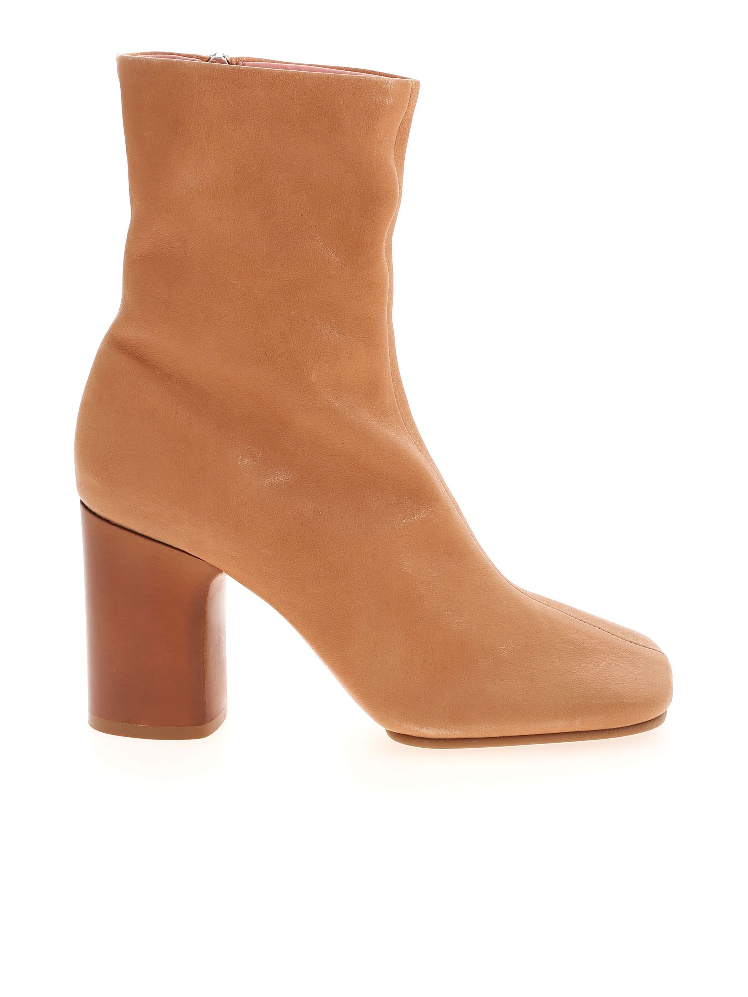 Acne Studios DQUARE TOE ANKLE BOOTS IN BEIGE