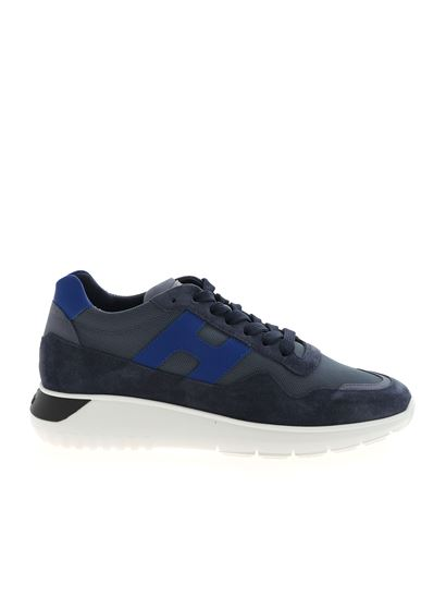 Interactive 3 sneakers in blue