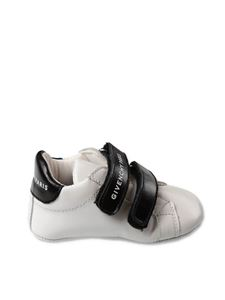 Givenchy - White baby shoes with logo