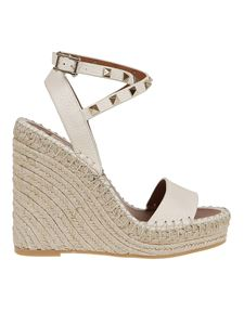 Valentino Garavani - Studs embellished wedge espadrilles in cream color