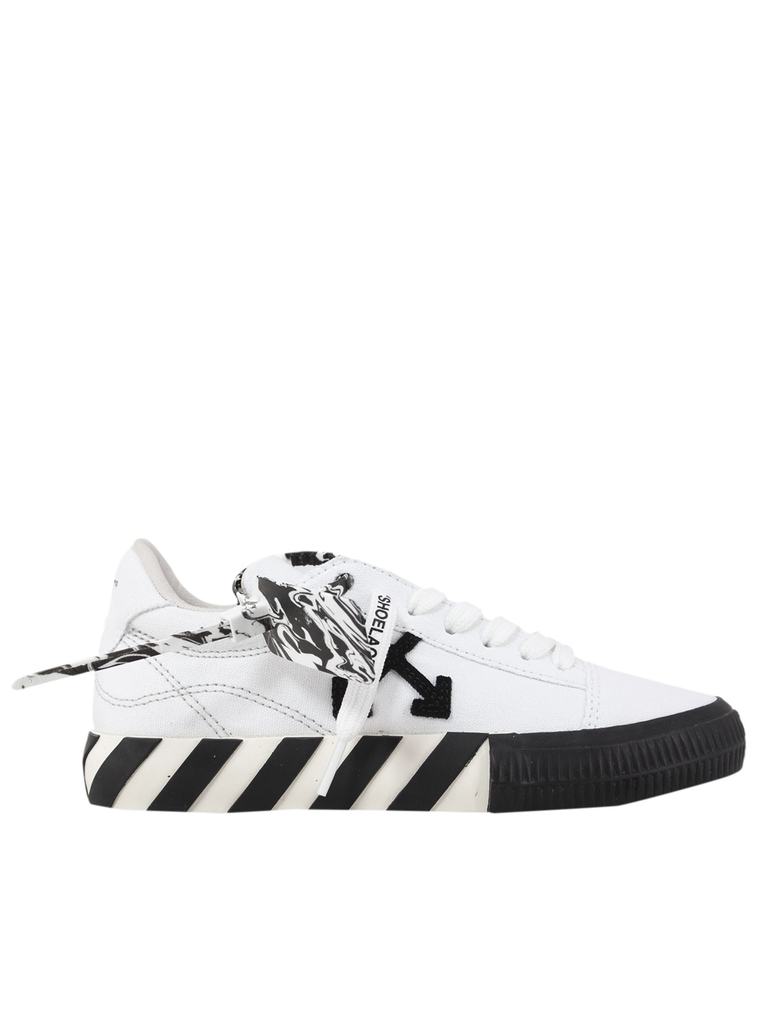 Off-White Low tops VULCANIZED LOW SNEAKERS IN WHITE AND BLACK