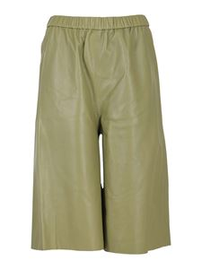 Federica Tosi - Smooth leather Bermuda trousers in Oliva color