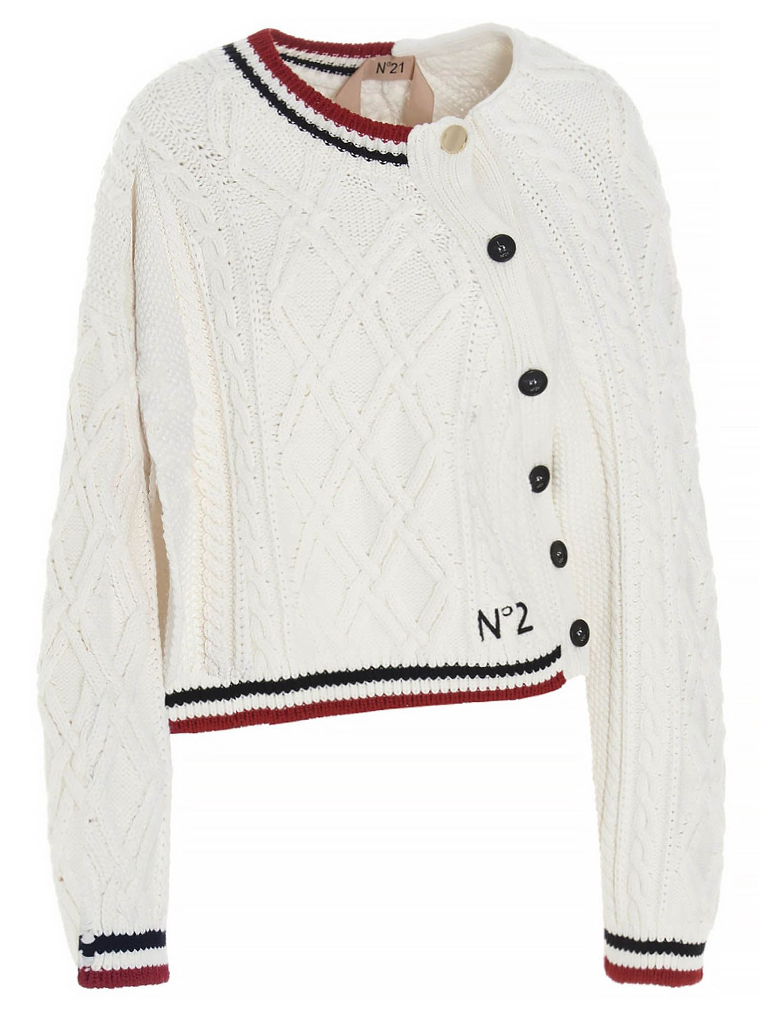 N°21 CABLE-KNIT LOGO CARDIGAN IN WHITE