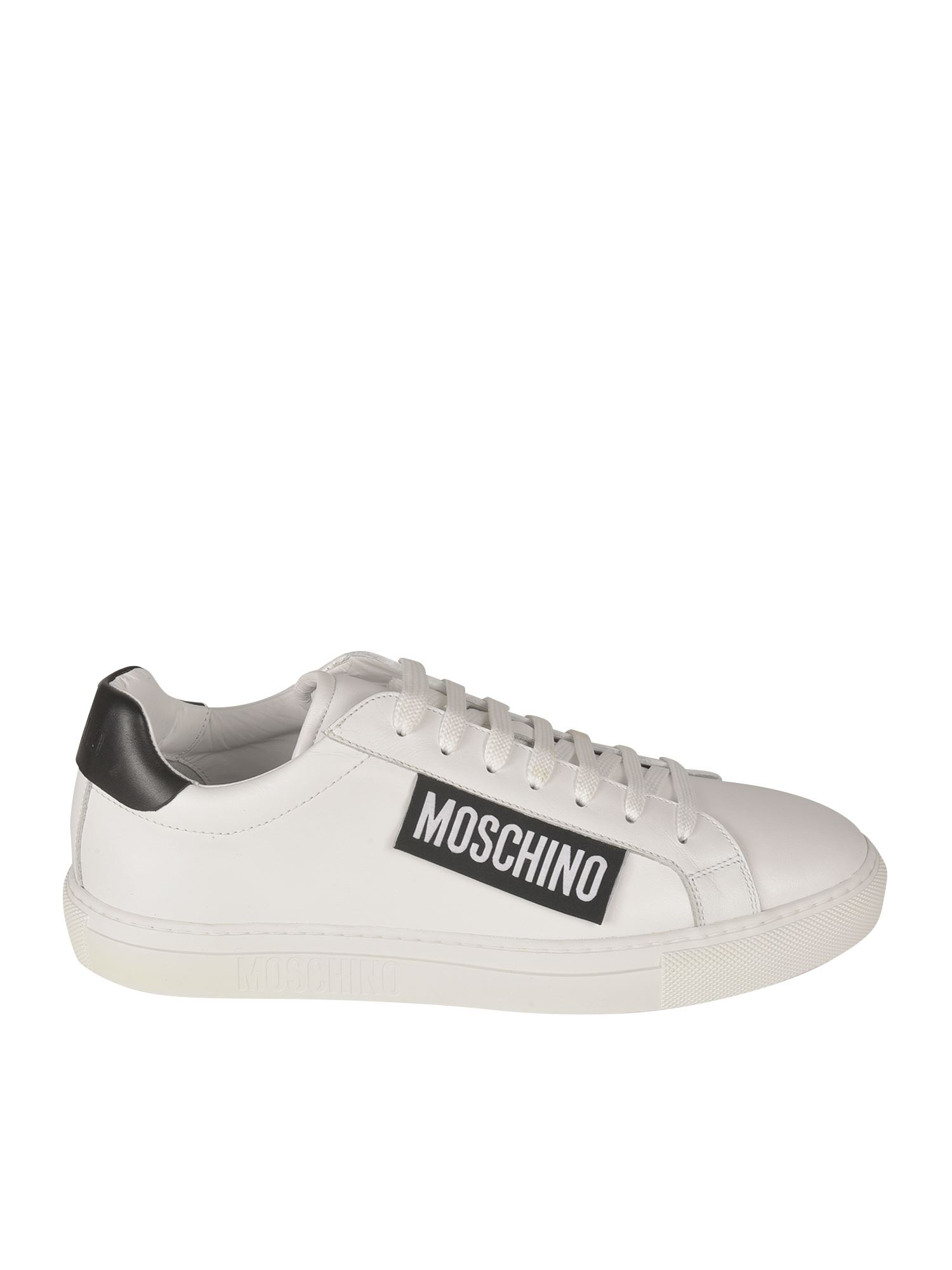 Moschino LOGO LABEL SNEAKERS IN WHITE AND BLACK