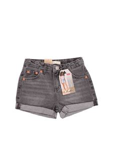 Levi's - Turned up bottom shorts in grey