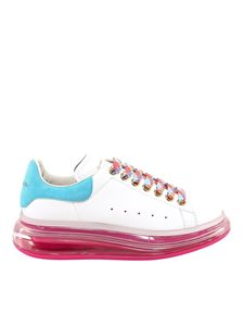 Alexander McQueen - Oversize sneakers in white and fuchsia