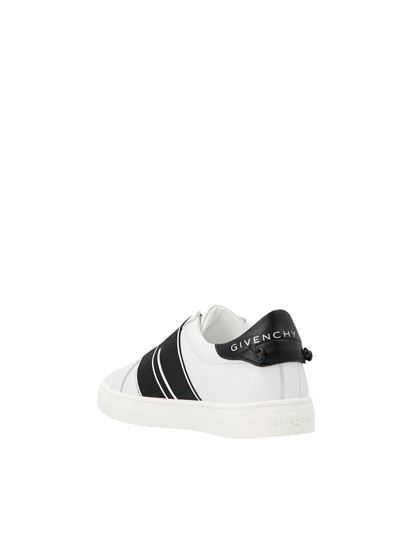 Givenchy - Urban Street sneakers in black and white