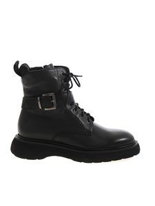Doucal's - Buckle ankle boots in black